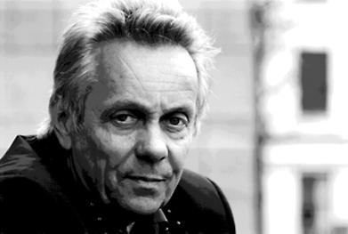 El día 2 de marzo del 2018, a la edad de 75 años, ha fallecido Theo Peeters